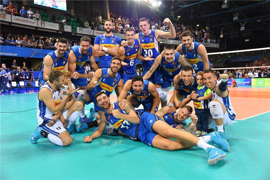 Pics La gioia de #LaNazionale dopo #ItaliaBelgio 3-0  e secondo successo per gli #azzurri#VolleyballWChs  #VolleyMondiali18 @FIVBVolleyball  - Ukustom