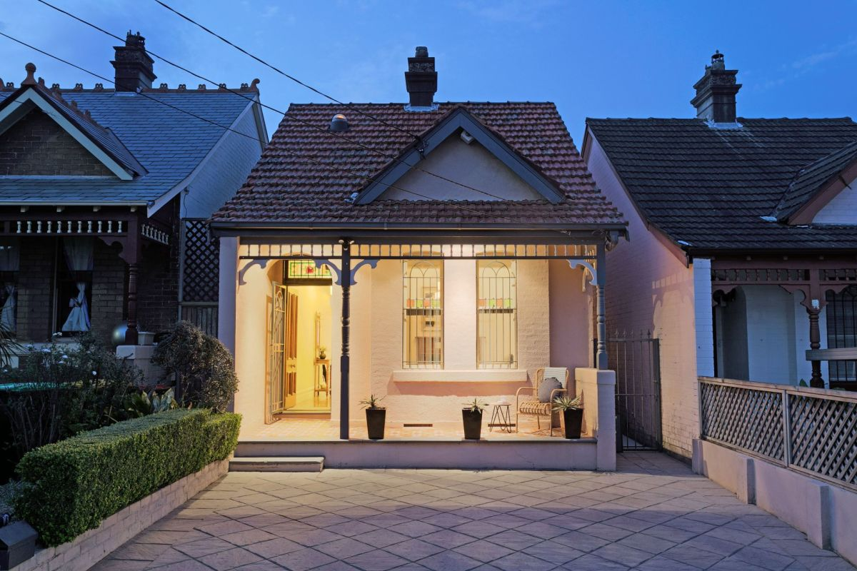 10 Thornley Street Drummoyne https://t.co/kZ5HG0Rn1k https://t.co/Au0P4ATeSE