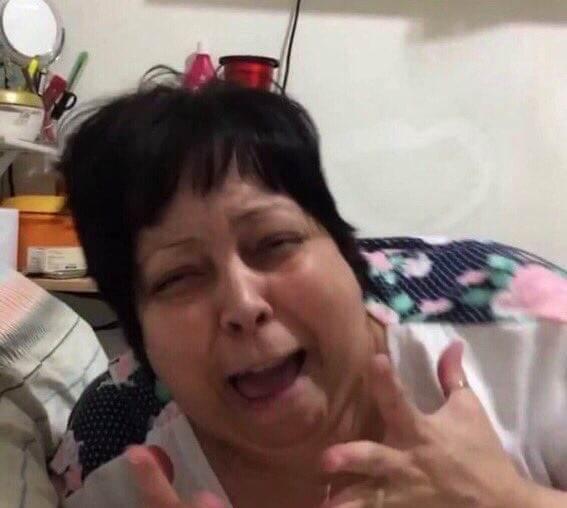 aí quem tirou minha virgindade foi o maroon 5 #DevastatedDay Photo