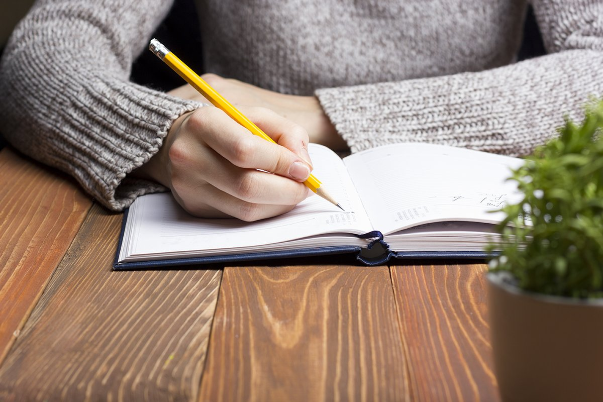 free online creative writing courses uk This course introduces the key characteristics of creative writing, and you will be supported with stage-by-stage guidance as you assimilate and practise a range of critical and creative methods includes tutor feedback and participant discussion.