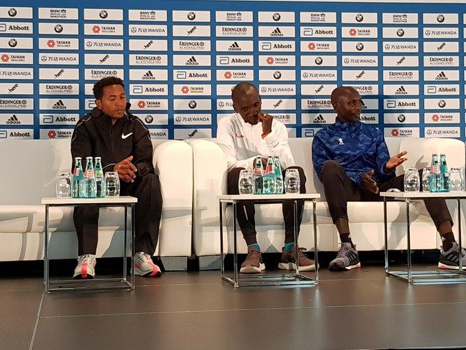 Em quem vc aposta para vencer a Maratona de Berlim? 1) Zesernay Tadese 2) Eliud Kipchoge 3) Wilson Kipsang #berlin42 #berlinmarathon Photo