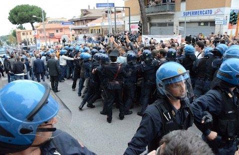 #Migranti, #RoccadiPapa si prepara al suo pomeriggio di tensione: a piazza Margherita timore di scontri https:// www.ilmamilio.it/c/comuni/9970-migranti-rocca-di-papa-si-prepara-al-suo-pomeriggio-di-tensione-a-piazza-margherita-timore-di-scontri.html  - Ukustom