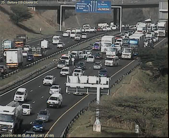78214: Crash on N2 Northbound after N2 EB Cloete I/C. Right lane closed. Expect Delays Photo