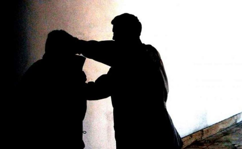 #Verona, nuova aggressione a #coppia #gay: #benzina in faccia #omofobia >>> http:// www.vvox.it/nksyL  - Ukustom