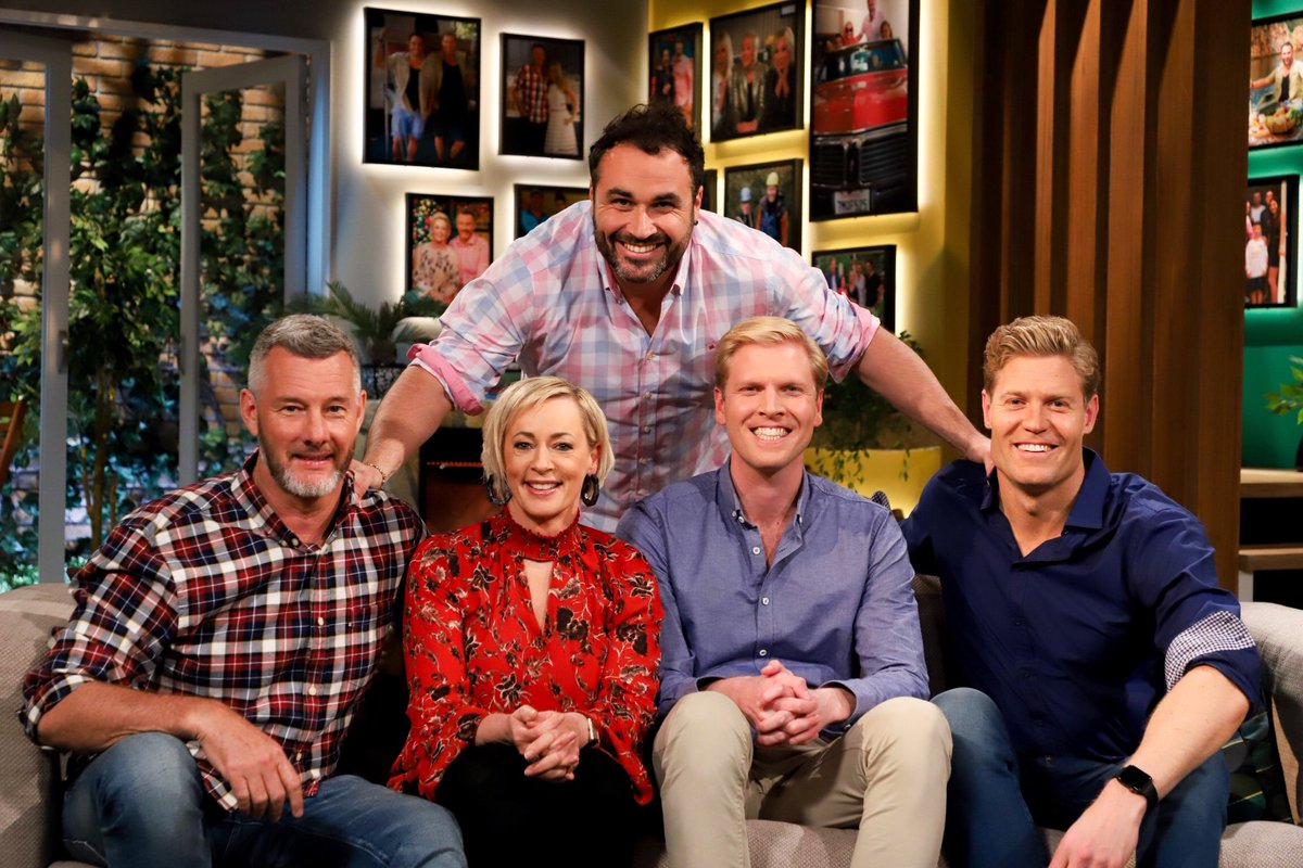 Itu0027s Humph Day On @channelten. Pointless At 6pm Then @livingroomtv At  7:30pm. Https://t.co/IBZa82xJa1