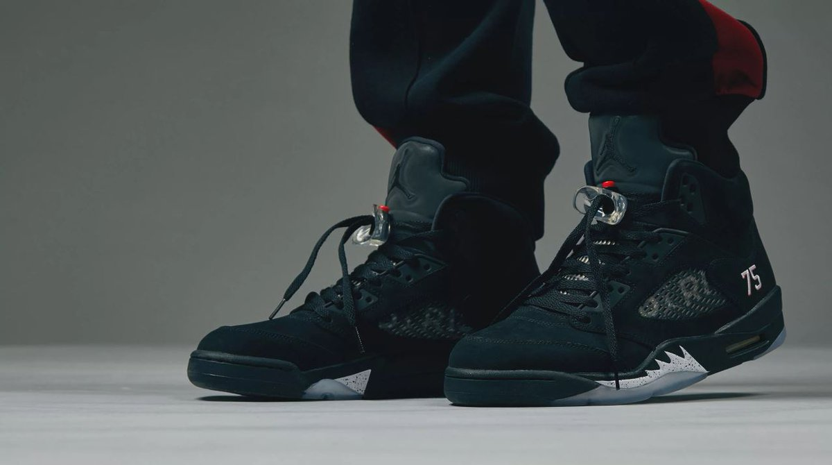 ea22ec408aa079 Looks like Nike might have decided to release these online after all. The