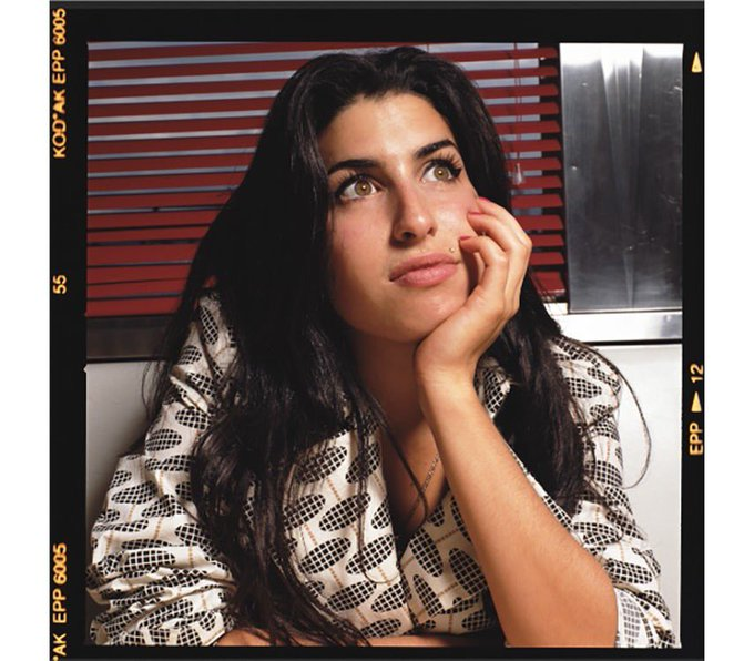 Happy birthday to global superstar Amy Winehouse      fuck I miss you