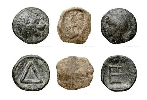 Le département des Monnaies, médailles et antique de @labnf présente une sélection de jetons grecs antiques, à l'occasion des #JEP2018, les 15 et 16 septembre. Venez découvrir ces témoins de la vie citoyenne à Athènes et à Corinthe. Pour en savoir plus : Photo