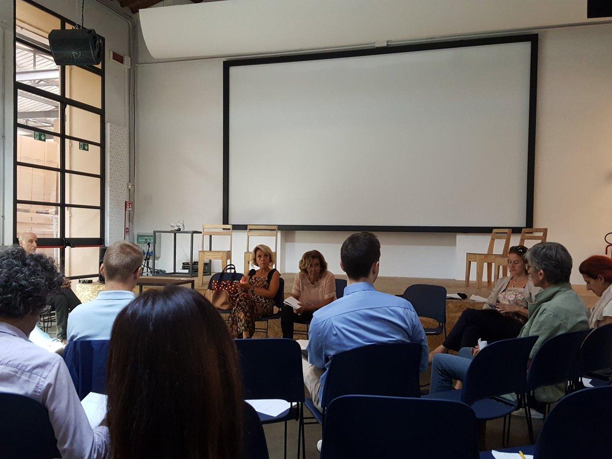 #ToscanaDigitale Le buone pratiche realizzate dai Comuni - spiega @lau_castellani - devono essere messe a fattore comune in un\