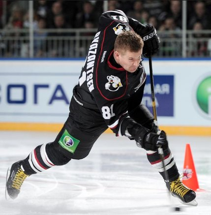 #FridayFunFact The fastest puck shot on record reached 114 Miles per Hour by KHL Player Alexander Ryazantsev. #JerrysHockey #hockeyfacts #speed #power