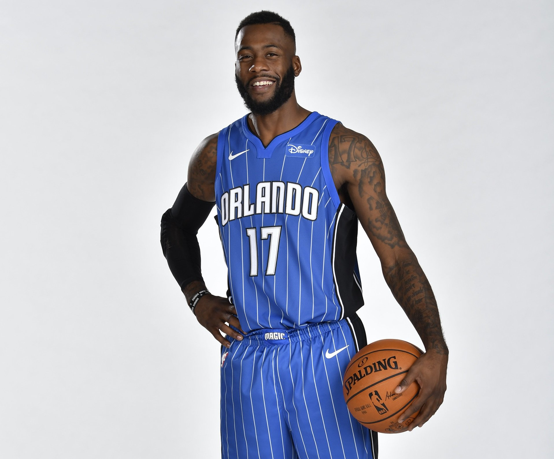 Join us in wishing @ThaRealJsimms of the @OrlandoMagic a HAPPY 29th BIRTHDAY! #NBABDAY https://t.co/s5h67IdLaN