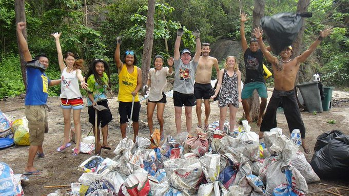 #WorldCleanupDay 2018 is set to make history on Saturday as the biggest-ever single day of volunteer-based waste collection efforts. Some 20 million volunteers in 120 countries have signed up to take part. Read more: Photo