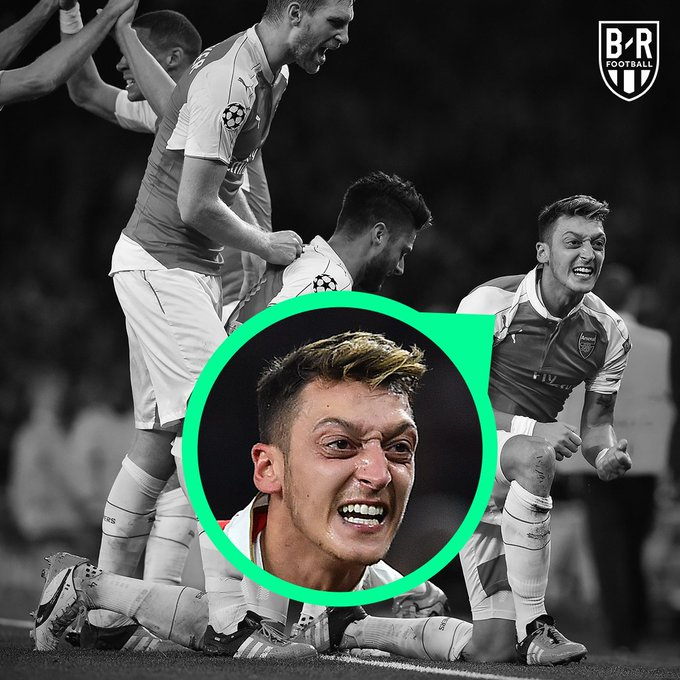 In 2015, when Arsenal beat Bayern 2-0 at the Emirates— @MesutOzil1088 felt it 🔴 Photo