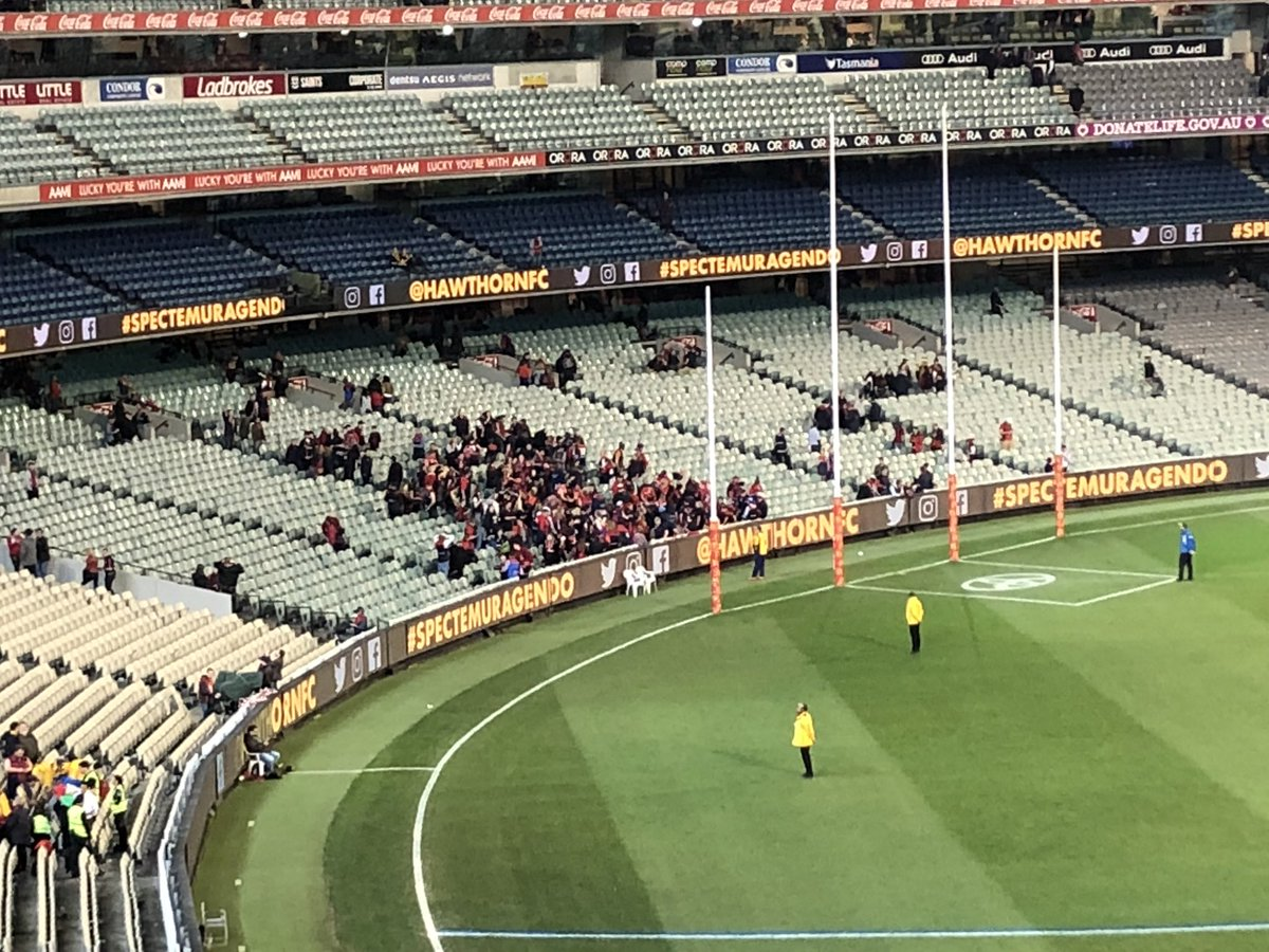 25 mins after the game and @melbournefc fans are still soaking it all up inside the @MCG... and they deserve to. #AFLFinals2018 #AFLHawksDees <br>http://pic.twitter.com/lXNbvS362H