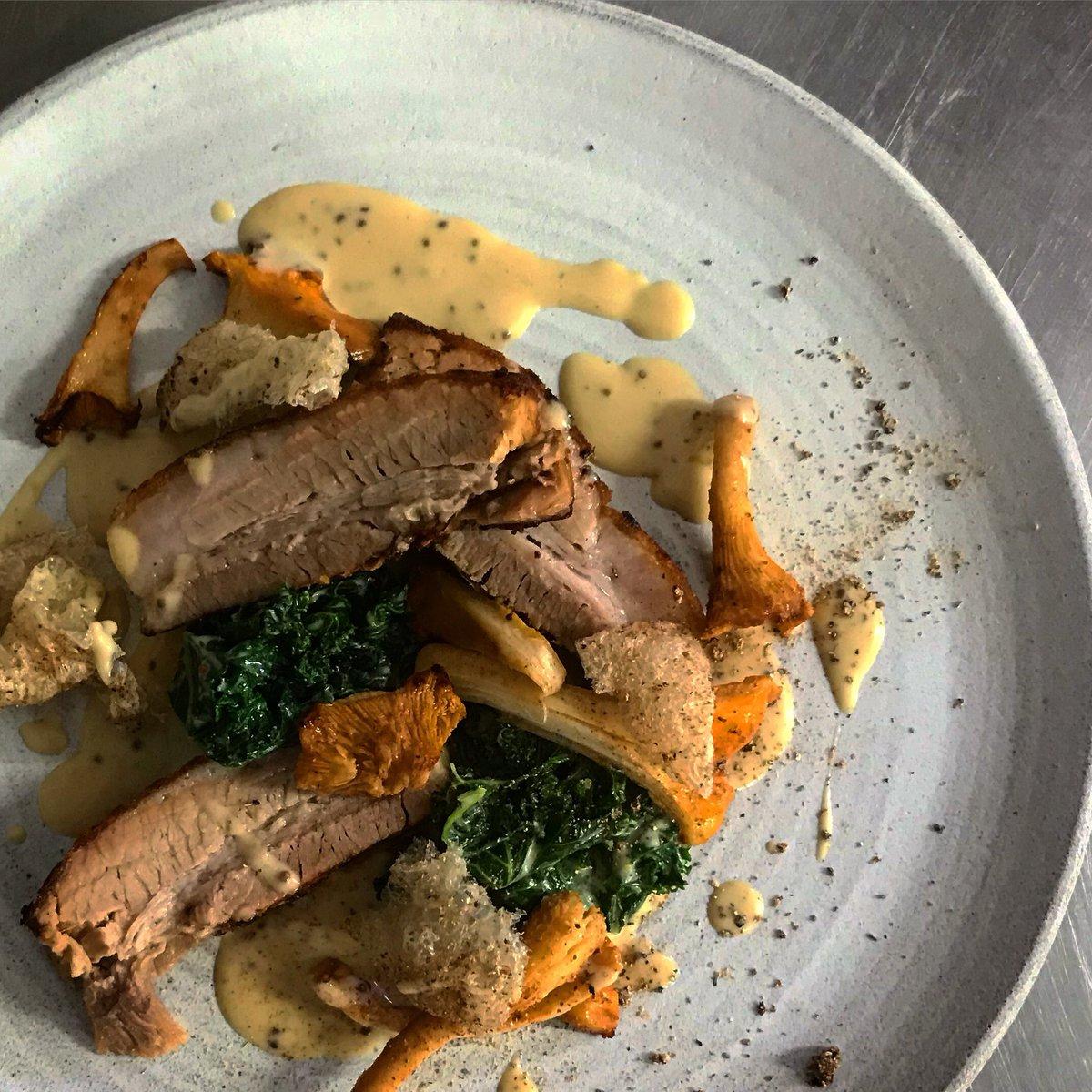 @dingleydellpork Belly, Girolles, Kale, Mustard, Cream....on the menu now. #delicious https://t.co/jgdRdlRgPo