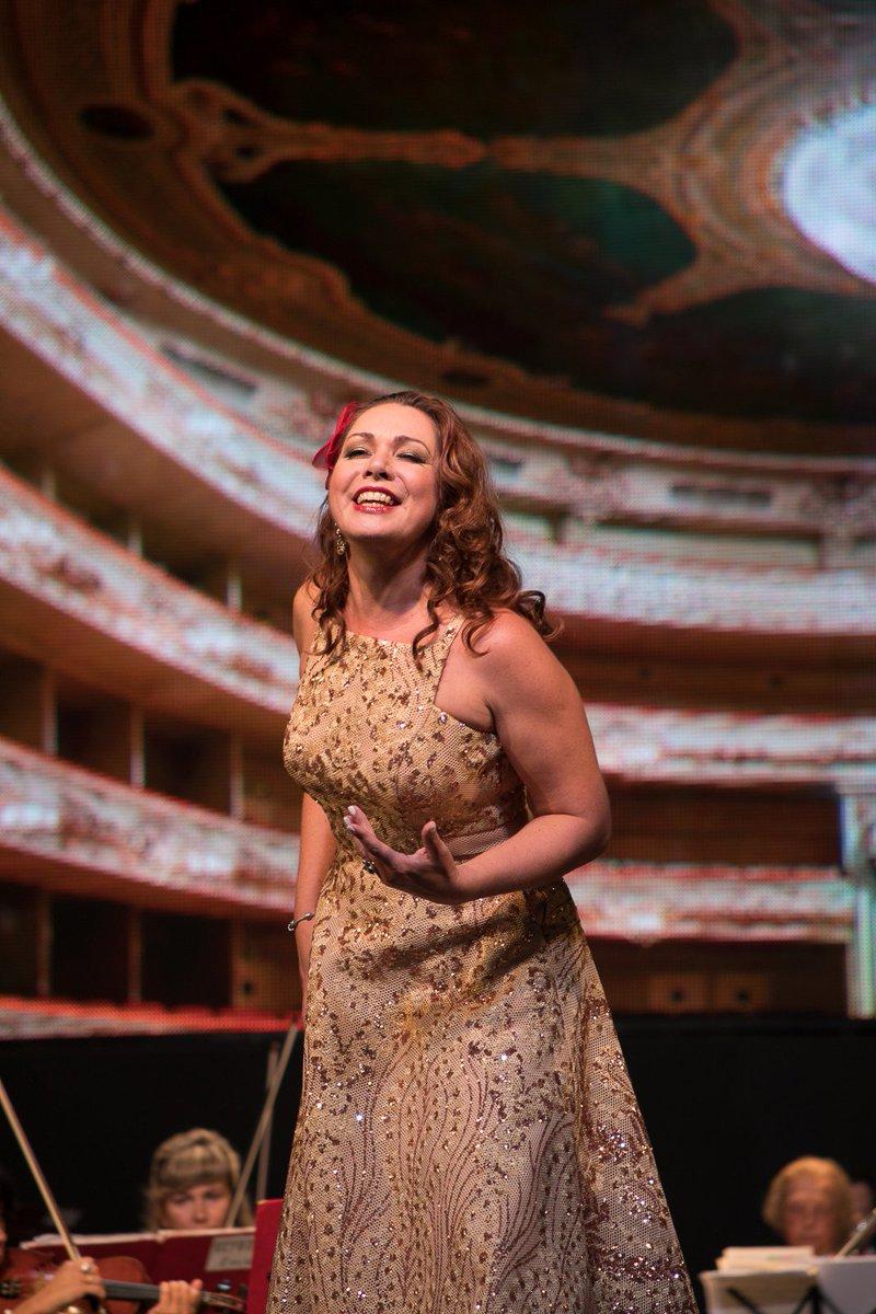 шанина ольга солистка михайловского театра фото мама отвела