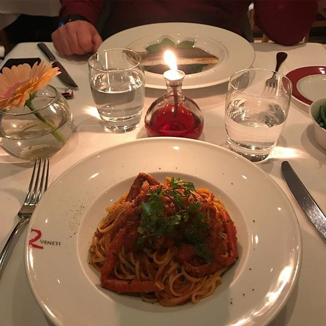 2 Veneti On Twitter Can You Think Anything More Romantic Than A Candle Light Dinner Eating Lobster Linguine Simply Classic Dining