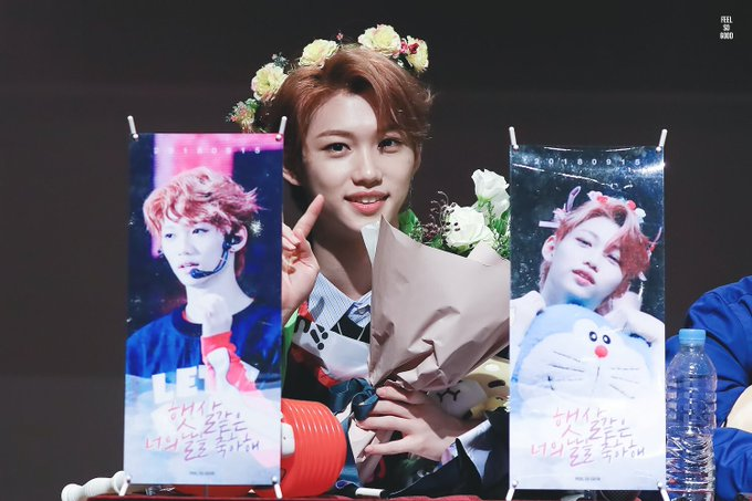 I love how you never gave up despite what happened, and I'm thankful that you finally debuted with stray kids, thank you ☺️ Happy birthday!! #HappyFelixDay @Stray_Kids Photo