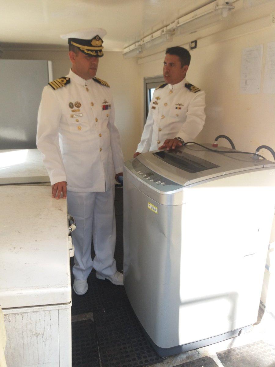 Escuadrón de buques anfibios y servicios - Página 25 DnEP_N2XgAUFz4N