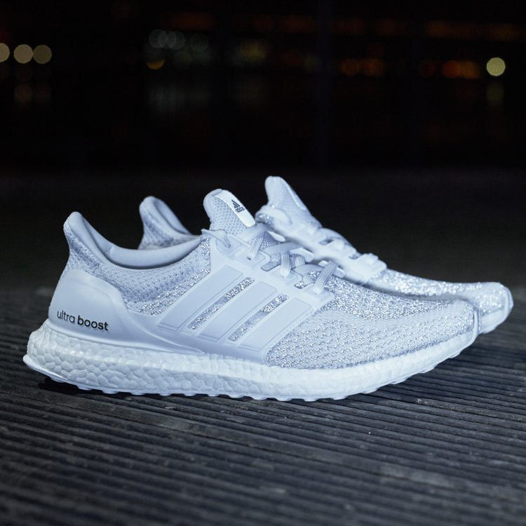 44a6d4bd33e ... but Foot Locker Canada is set to release the