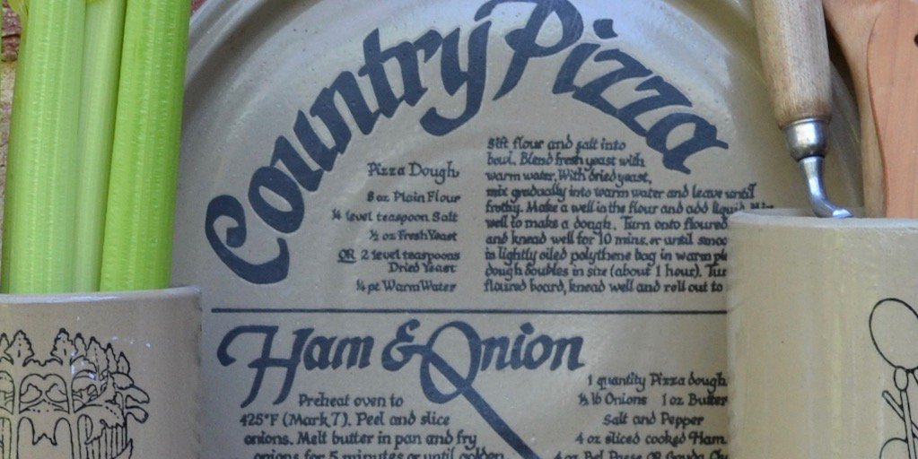 If it's pizza night, try this #vintage Pearsons country pizza recipe dish. https://t.co/SLJDqzExAM https://t.co/z1jbAK9Hce