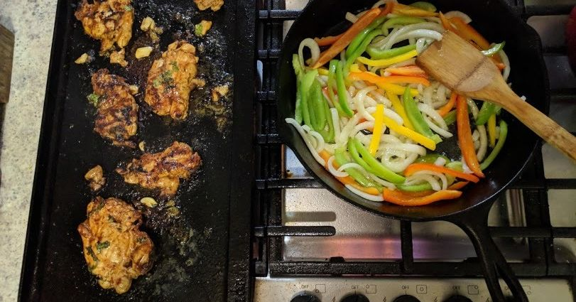 RBR Tailgating: Chicken Fajitas https://t.co/8J6VmIsG7x https://t.co/akvOq4hHzq