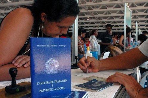 Resultado de imagem para Renda das mulheres é 42,7% menor que a dos homens, diz programa da ONU