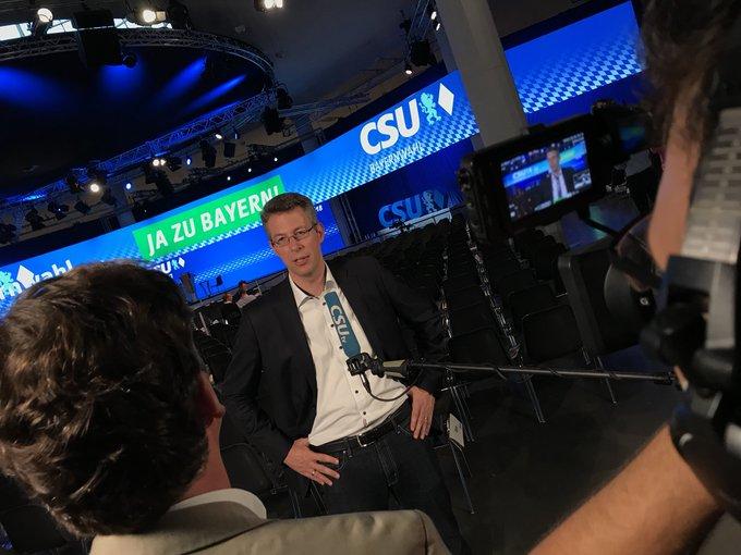 .@MarkusBlume: Wir sagen #jazuBayern! Wir kämpfen dafür, dass Bayern stark und stabil bleibt. #CSUPT18 Foto