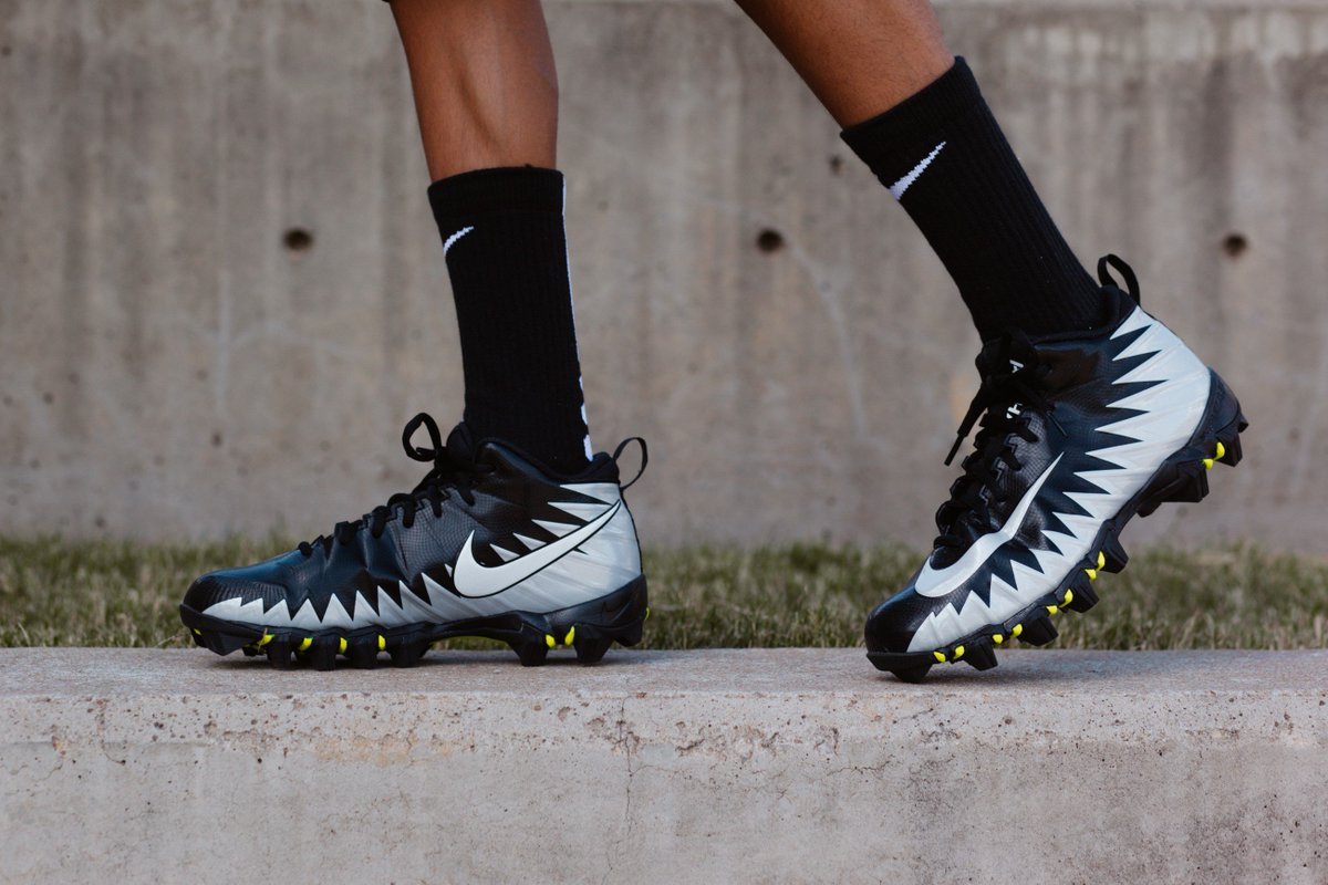 new style 6fa1a 2ed98 Nike Fast Flex technology so you can perform at top speed during practice  and play, shop the Nike Alpha Menace Shark football cleat today  hibbett ...