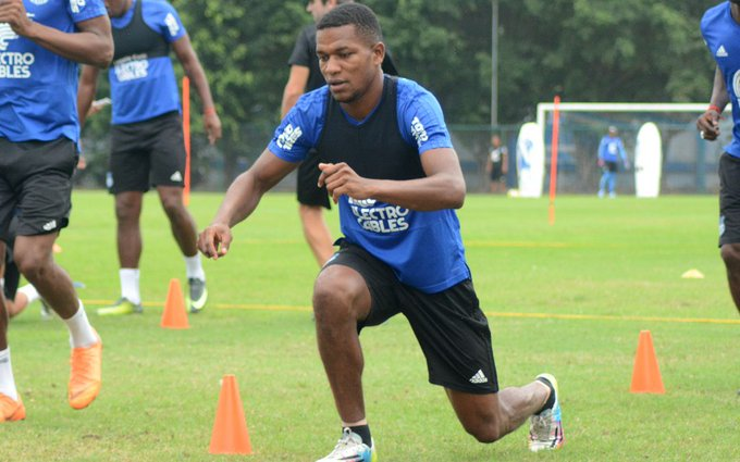"#Emelec Romario Caicedo: ""Se vienen rivales difíciles pero tenemos que sumar y mantenernos arriba"" Photo"