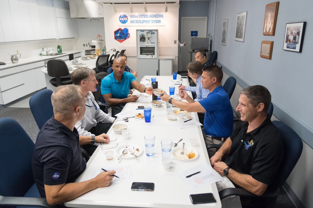 An important part of astronaut training – taste testing! @Commercial_Crew astronauts try space food options and choose items to eat during their mission. Nutrition is very important, but so is taste, and that it doesn't make a mess in microgravity. https://t.co/WizZmNlRDF https://t.co/EBDEwRDuVw