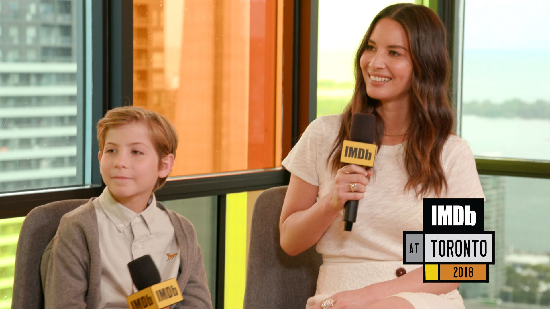 .@oliviamunn and @JacobTremblay share their close encounters with #ThePredator. ��#sponsored by @LandRoverCanada https://t.co/fbTJ3BnGmO