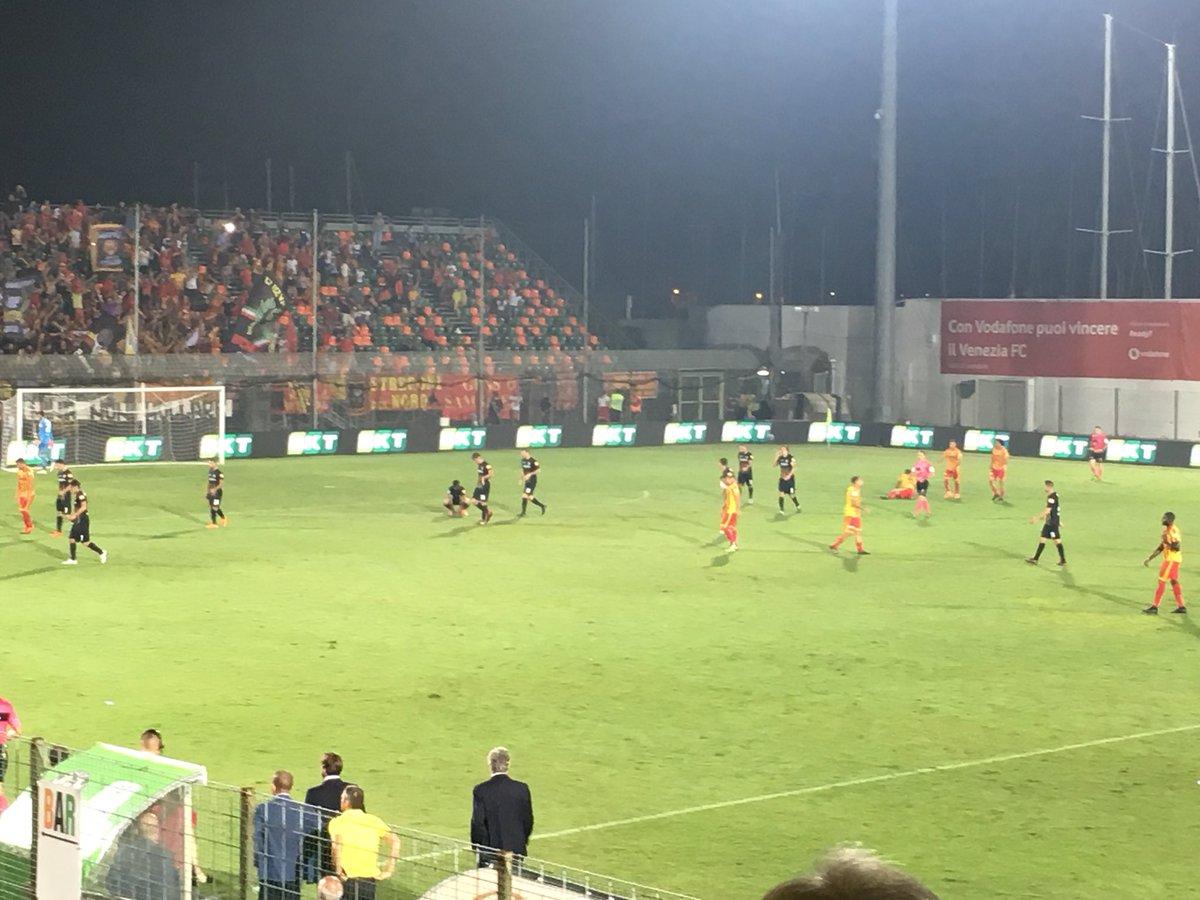 #Benevento padrone del campo a Venezia: due reti di Bandinelli e giallorossi sul doppio vantaggio #serieb #veneziabenevento  - Ukustom