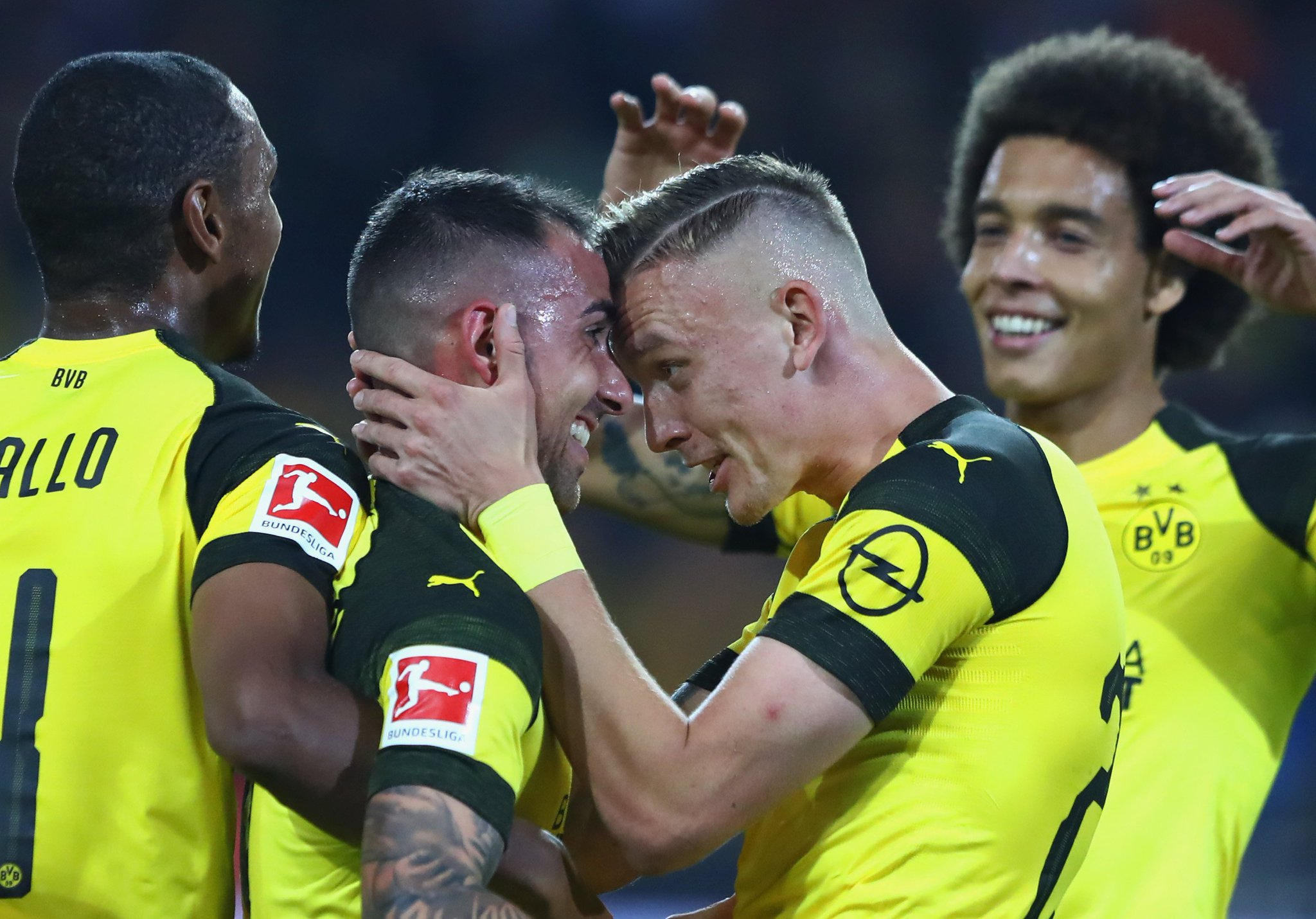 Paco Alcácer scored his first goal for Dortmund as they saw off Eintracht 3-1 in the Bundesliga this evening.  #UCL https://t.co/Y6DiYCUEe8