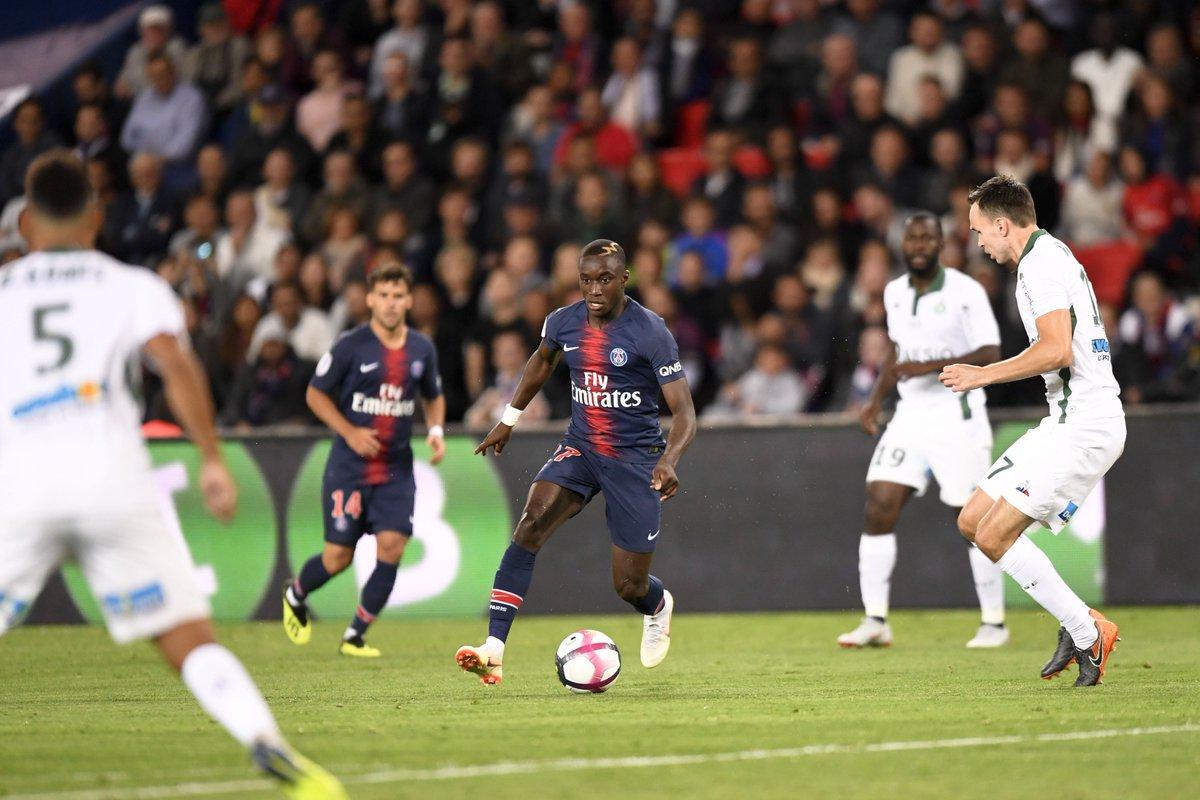 Championnat de France de football LIGUE 1 2018-2019-2020 - Page 3 DnFattEWsAM-dp5