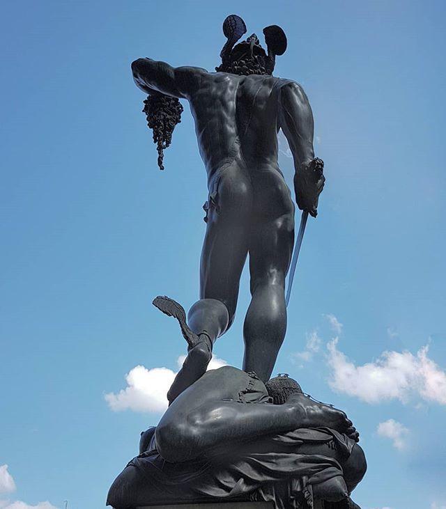 #BenvenutoCellini #PerseusWithTheHeadOfMedusa #bronze #sculpture #ItalianRenaissance #ItalianMasters #LoggiaDeiLanzi #florence https://t.co/x3IsHmOkPr
