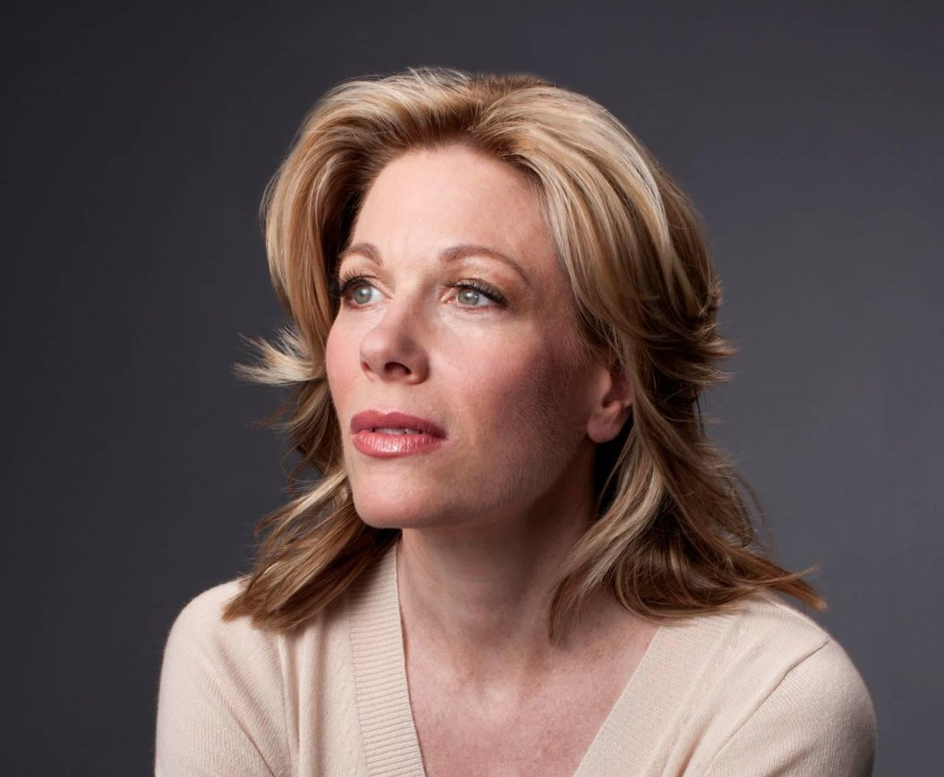 The Committee of Theatre Owners has decided to dim the lights of the Al Hirschfeld, Broadhurst, Gershwin, Gerald Schoenfeld,  St. James, and Nederlander Theatres in memory of Marin Mazzie on 9/19 at 6:45pm.    https://www. broadwayleague.com/press/press-re leases/broadway-theatres-to-dim-lights-in-memory-of-stage-and-screen-star-marin-mazzie/ &nbsp; … <br>http://pic.twitter.com/IKuEa0Do3f