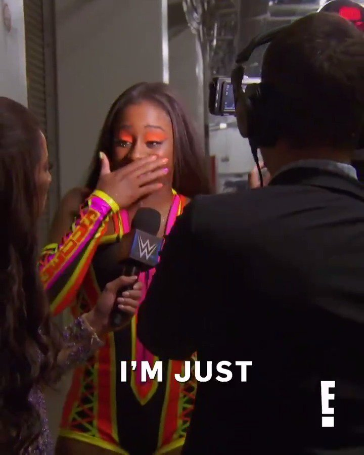 RT if @NaomiWWE crying is hitting you right in the feels. �� #TotalDivas https://t.co/uaJp0VM8Np