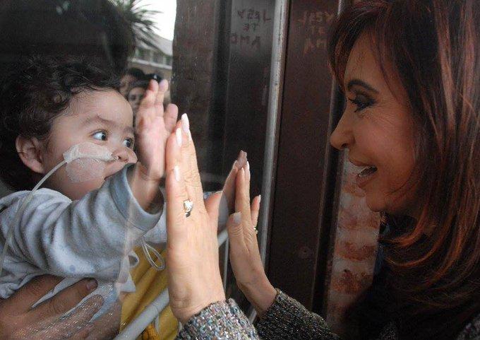 @CFKArgentina Te amo Cristina! Volvé pronto!! #VamosAVolver #PongamosUnaFotoDeCFK Foto