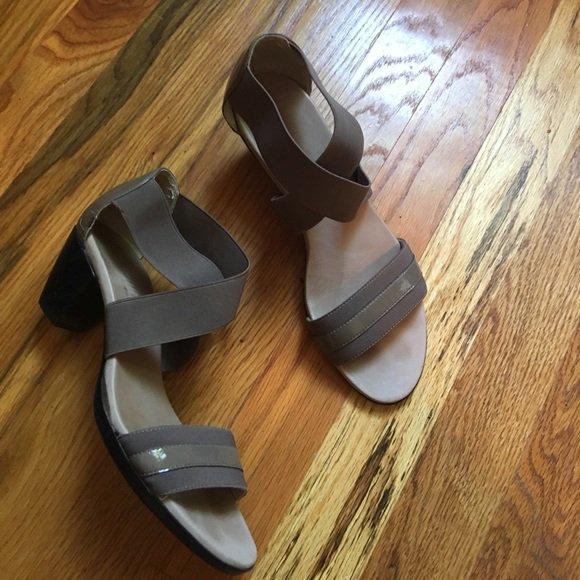 f8076037 Check out all the items I'm loving on @Poshmarkapp #poshmark #fashion #style  #shopmycloset #munro #ronchereskin #katespade:  https://bnc.lt/focc/MT01vCnBBP ...
