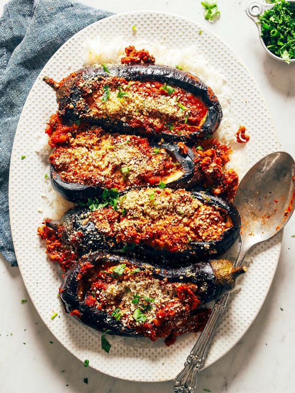 7 easy eggplant recipes so good even staunch haters will love them → https://t.co/KuAZ6XN8ab https://t.co/7GV8bXsVJY