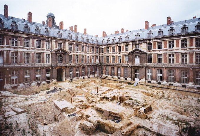 #JEP2018 Aujourd'hui et demain découvrez le Grand Commun, un bâtiment qui abritait les services de la Cour de 1686 à 1793. Retracez l'histoire de cet édifice à l'occasion de cette ouverture exceptionnelle #GrandCommun Photo
