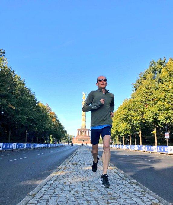 Morning shake out run done ahead of @berlinmarathon tomorrow. The goal is to enjoy the ride! #BerlinMarathon #berlin42 📸 @HAASruns Photo