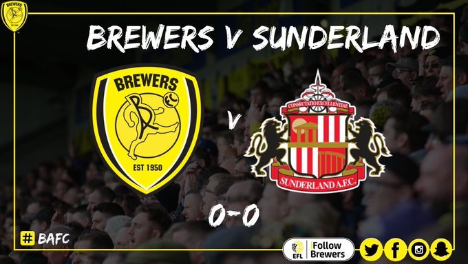 8. #Brewers cause problems for Sunderland from a corner, Templeton does well to drill a low ball in. Sunderland try to clear, it ricochets off three legs but they eventually clear their lines. Match Centre 👉 #BAFC Photo