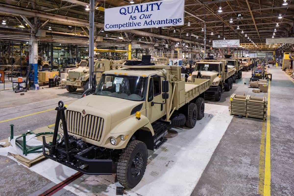 العراق يشتري شاحنات عسكريه من شركة Navistar الامريكيه  DnI-mCgXcAE8AZF