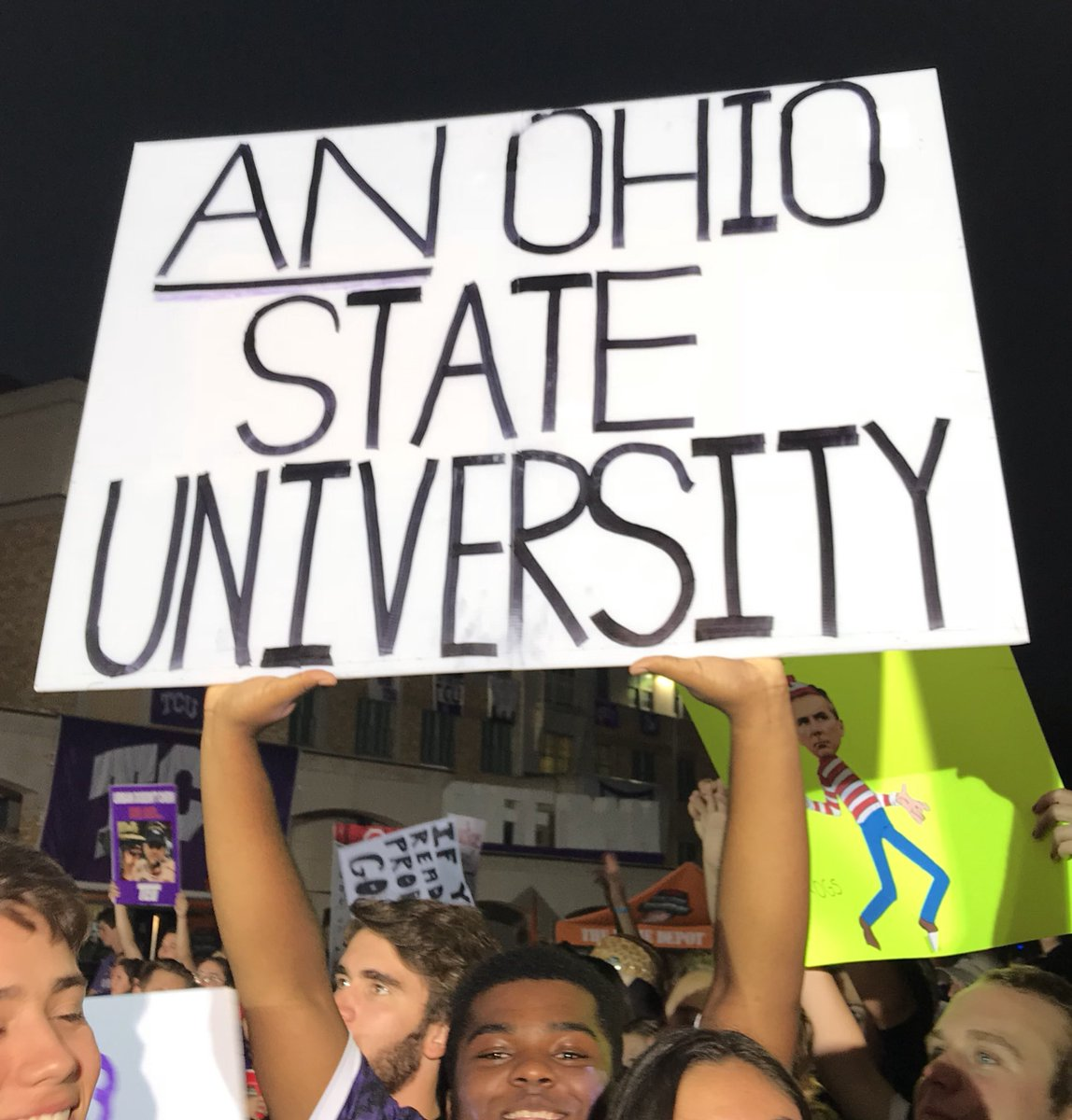 The best 'College 'GameDay' signs from Ohio State vs. TCU