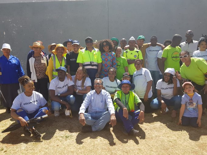 Region G team for today cleaned, painted road markings, cleaned storm water drains #AReSebetseng #GlobalCitizenFestivalSA ^TK Photo