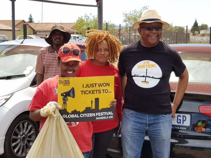See you next time. You could win tickets too, to #GlobalCitizenFestivalSA when you clean up with us #AReSebetseng ^TK Photo