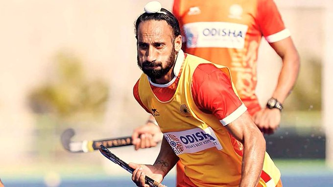 "#HockeyIndia : ""I have played for long but have never been able to win a medal at the Olympics or a World Cup. Sardar Singh #MensHockey @imsardarsingh8 Photo"