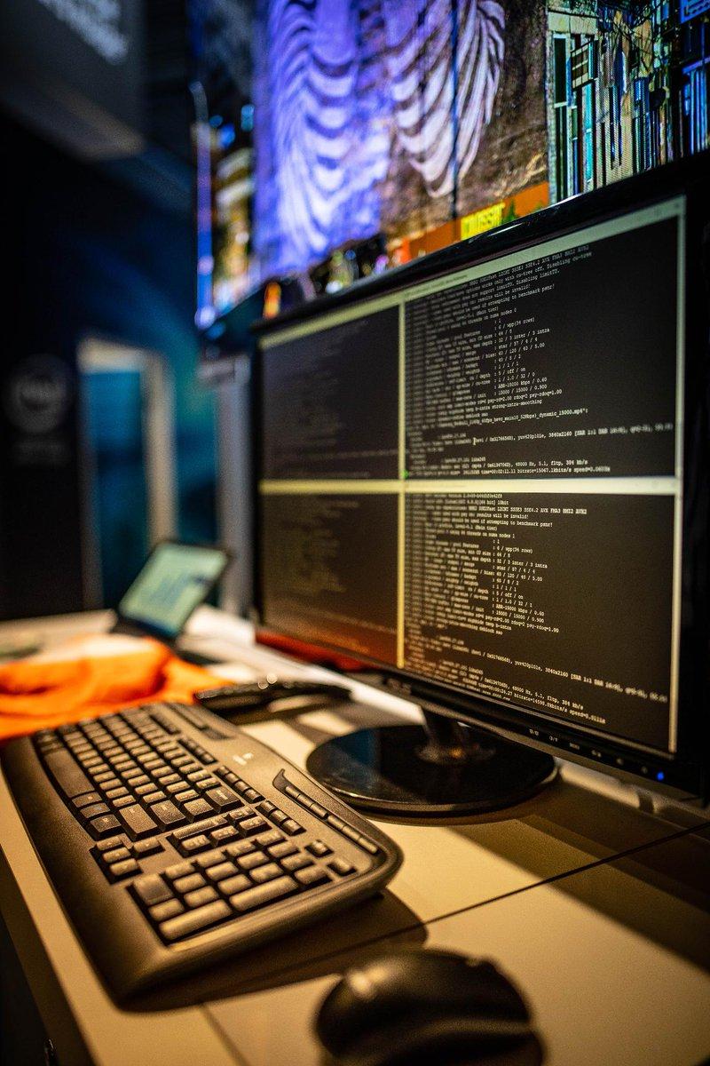 MulticoreWare at #IBC2018 showcasing #AI-powered HEVC 4K HDR video encoding using the Intel AVX-512 instructions. Boost your performance: →  https:// intel.ly/2OvuVCc  &nbsp;   #IBC2018 <br>http://pic.twitter.com/tuJCwYE6wQ